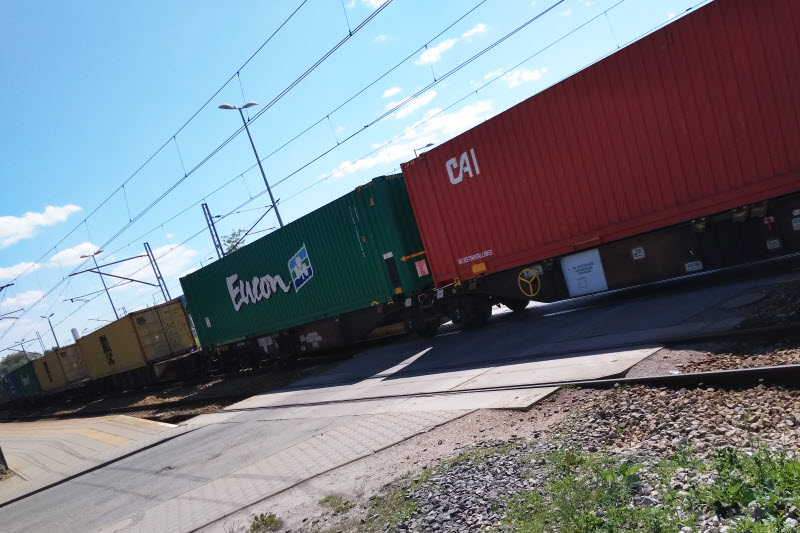 Fantastyczny Transport kolejowy z Chin, drobnica i kontenery 40